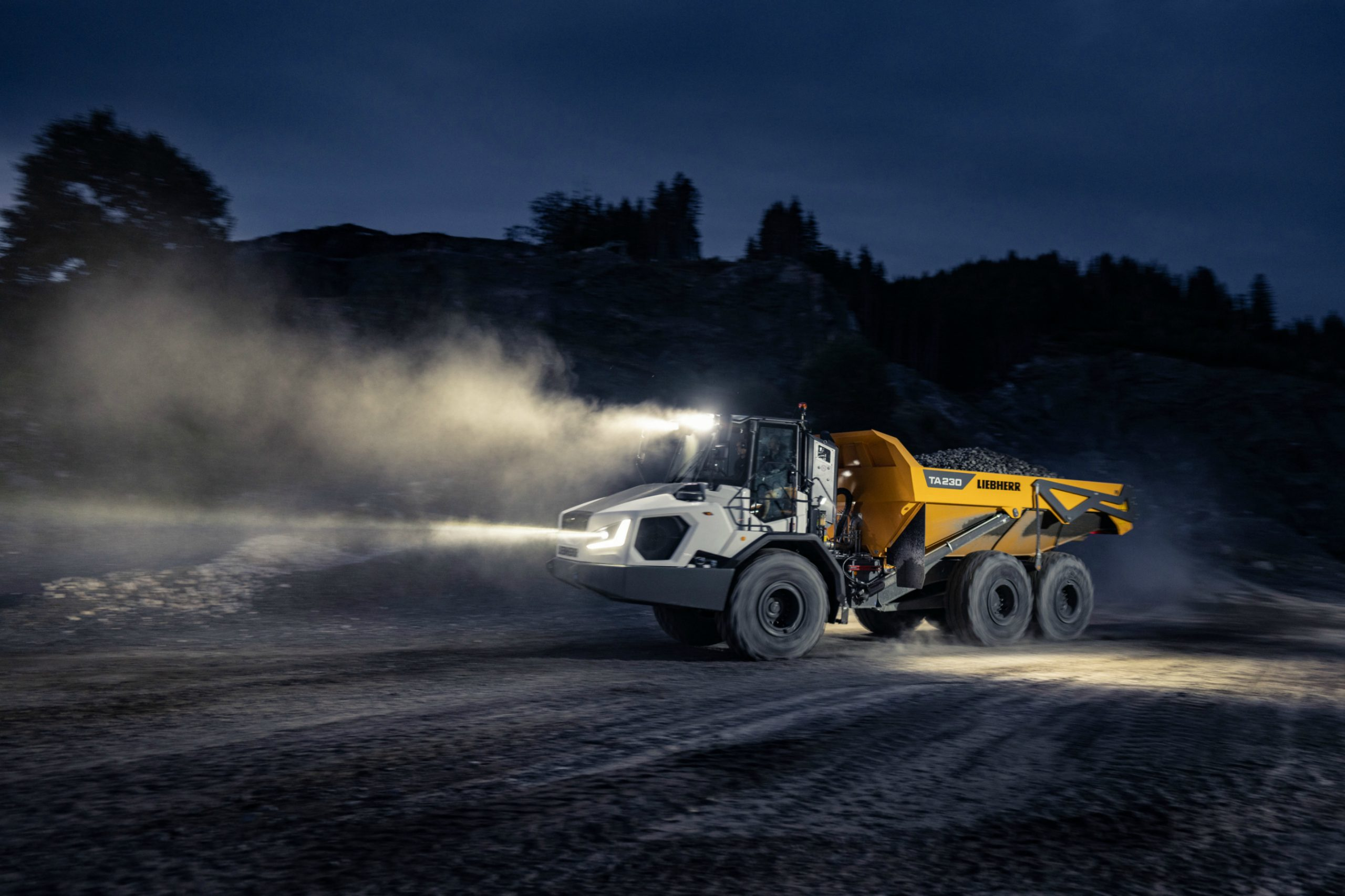 World première: Liebherr presents the new generation of articulated dump trucks