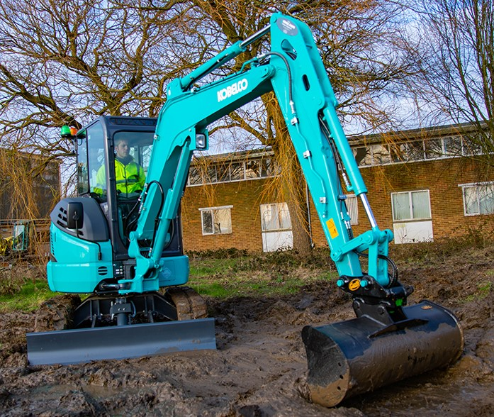 Molson adds Kobelco mini excavators to Scottish portfolio