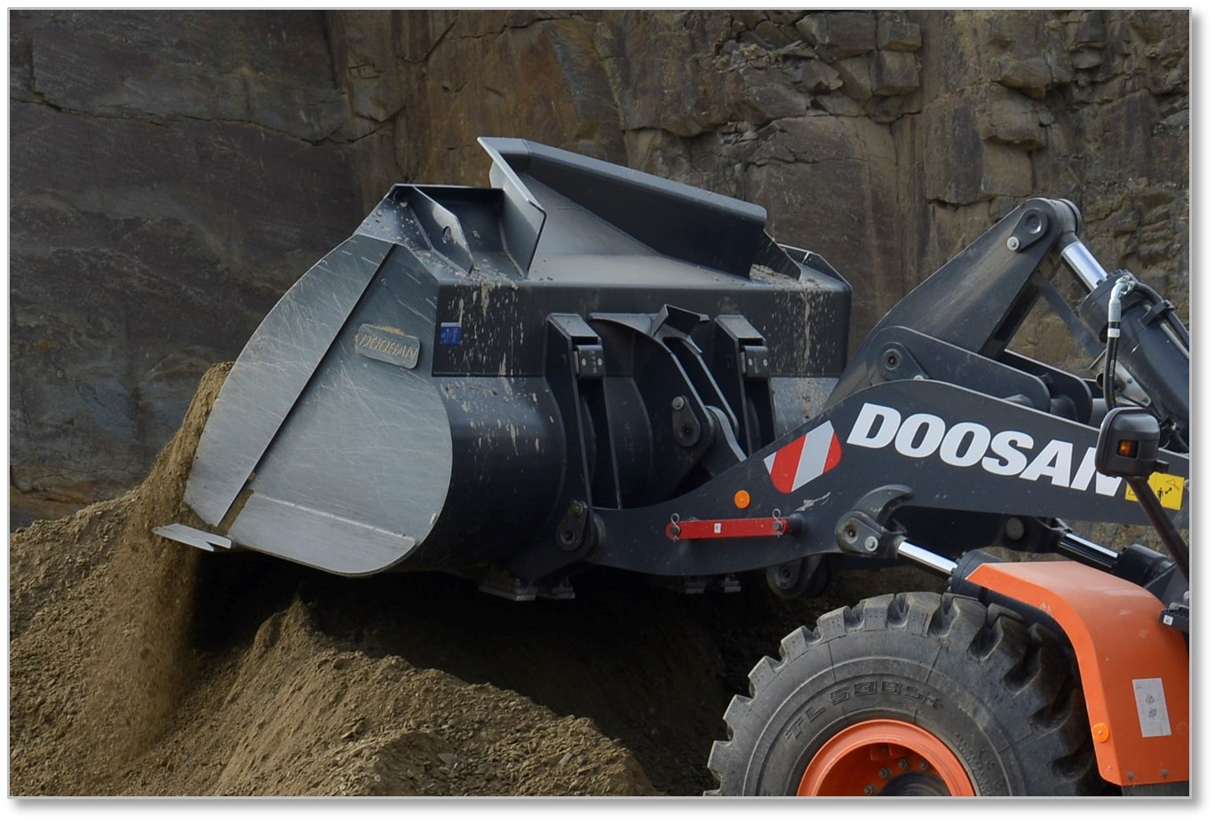 New Range of General Purpose Performance  Buckets for Doosan Wheel Loaders
