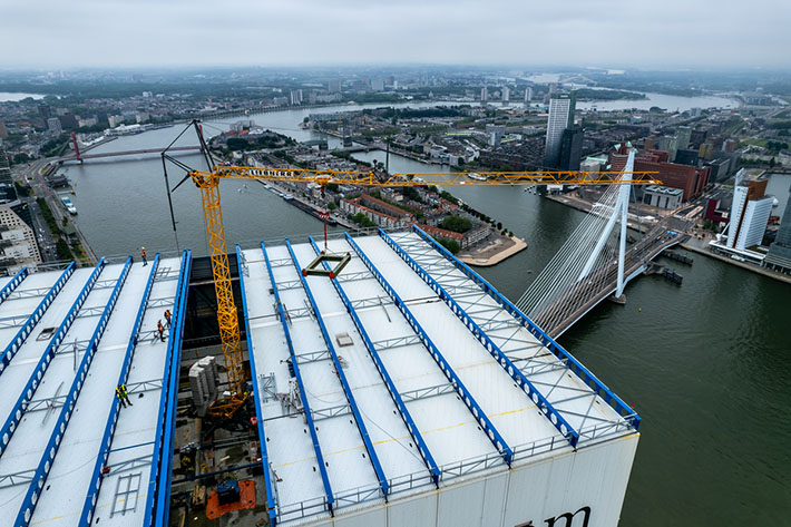 Liebherr fast-erecting crane 34 K at work on the tallest building in the Benelux region